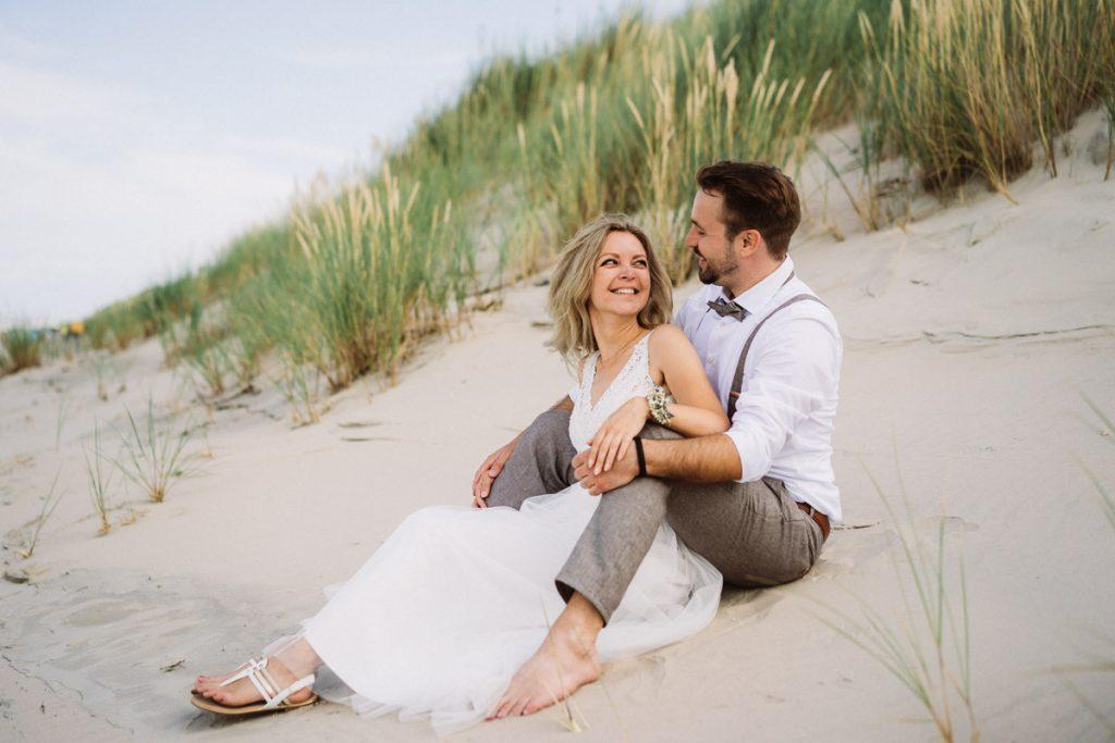 Brautpaar in der Düne auf Baltrum