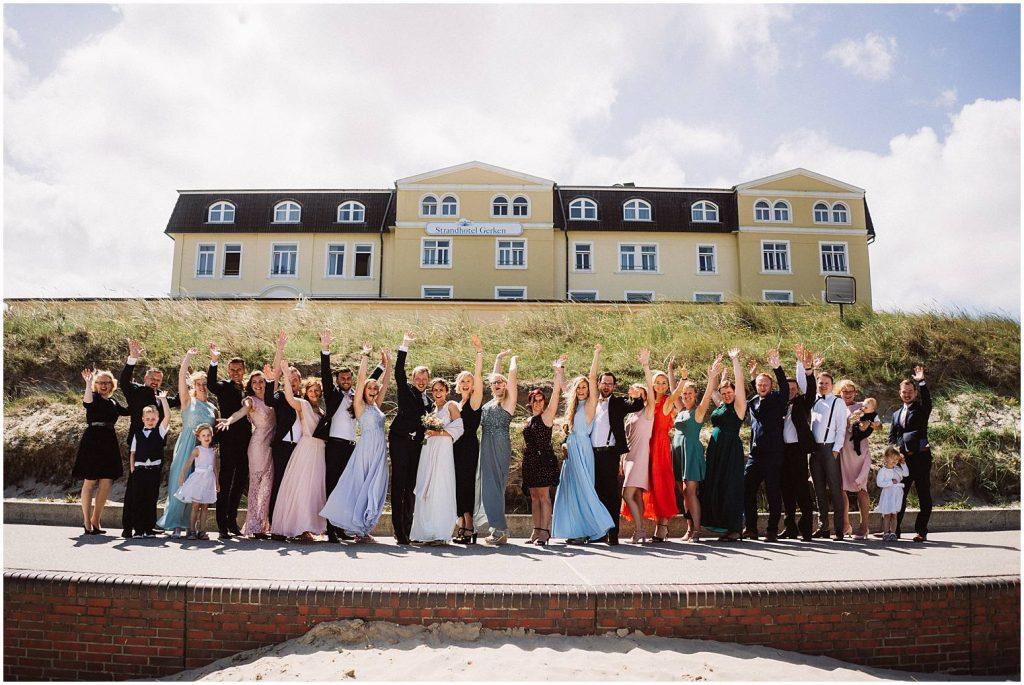 Gruppenfoto bei einer Hochzeit auf Wangerooge