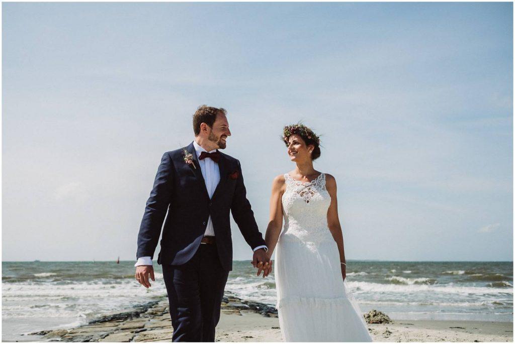 Glückliches Brautpaar auf Norderney