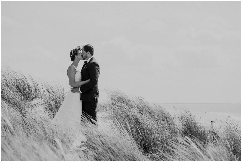 Hochzeitspaar auf der weissen Düne Norderney