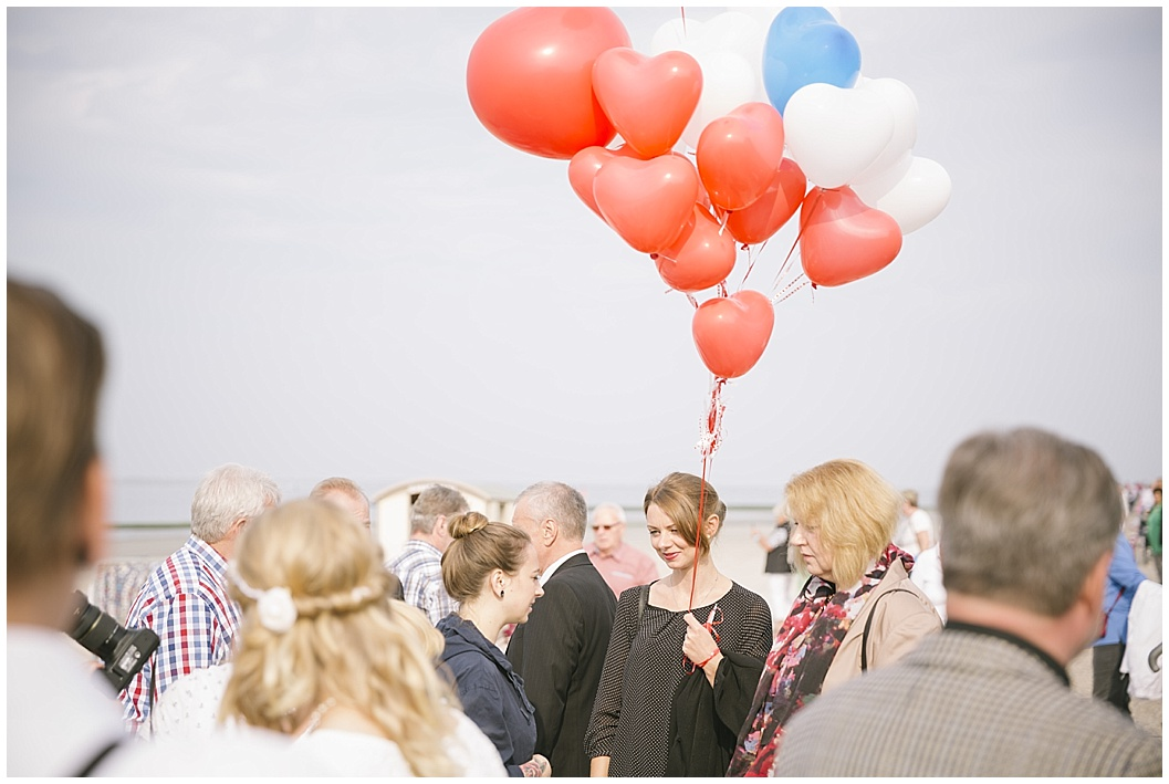 Als Fotograf bei einer Hochzeit auf der Insel Norderney in Ostfriesland. Buchbar als Hochzeitsfotograf auf allen ostfriesischen Inseln wie z. B. auch Juist, Wangerooge oder Langeoog.