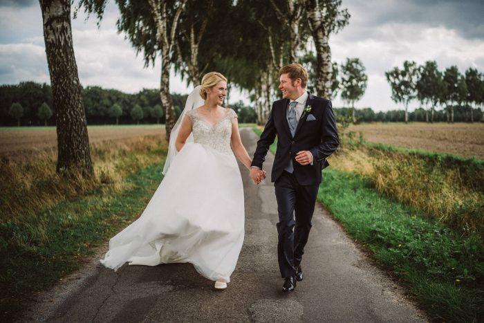Hochzeitspaar beim Shooting mit dem Fotografen in Münster