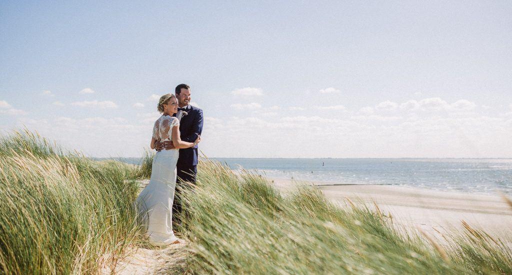 Hochzeitsfoto von einem Brautpaar auf Norderney
